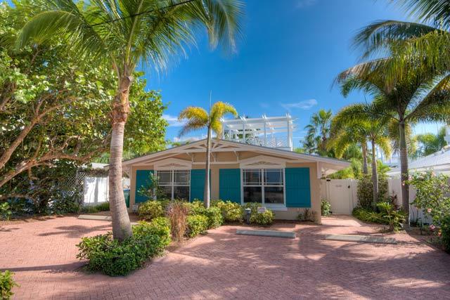 Palm Isle Place