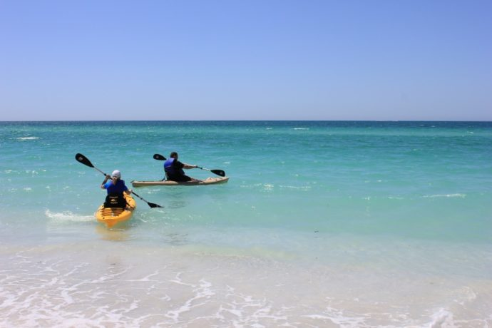 couples kayaking anna maria