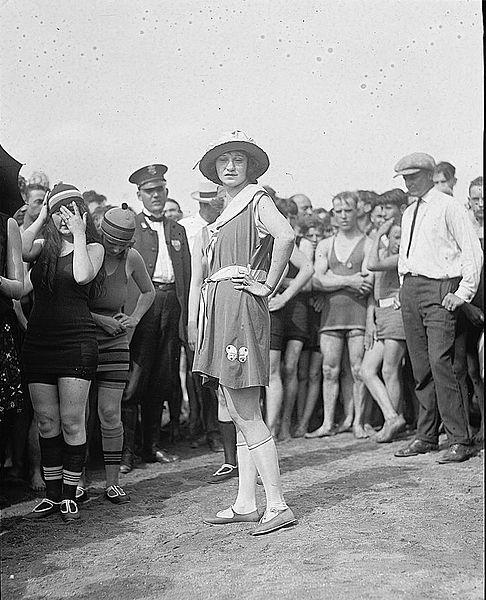 vintage bathing suit fashion