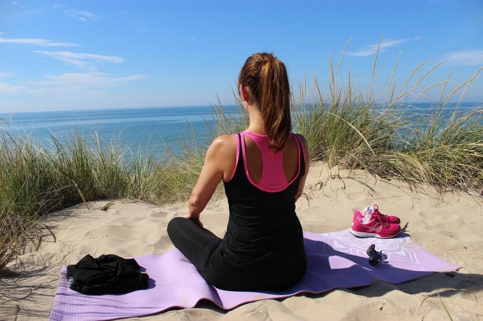 yoga on the beach anna maria island